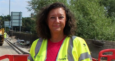 Helen-Fisher-in-hi-vis